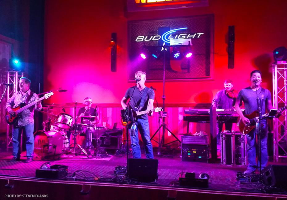 Band Live Shot TUB