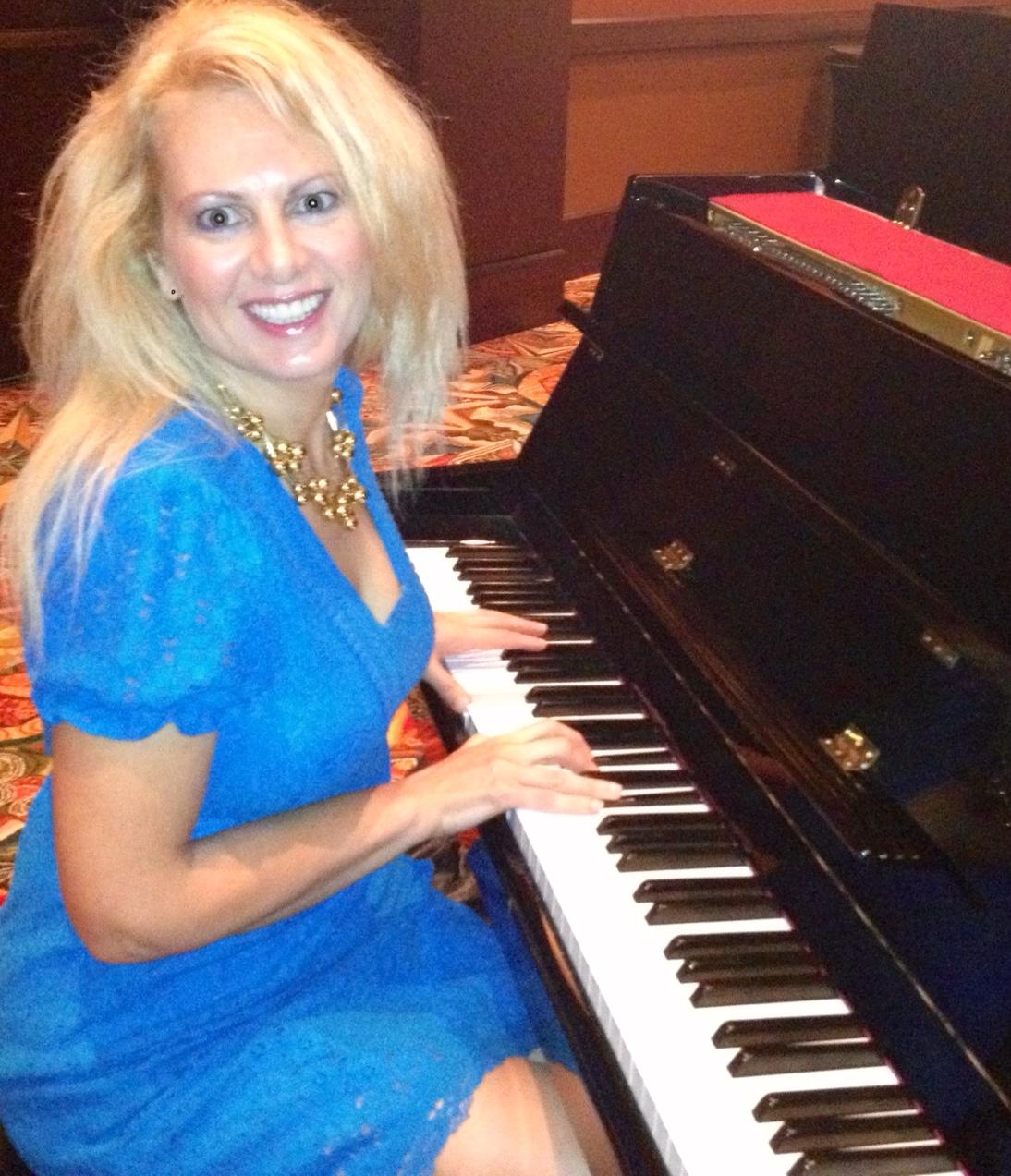 blue-piano